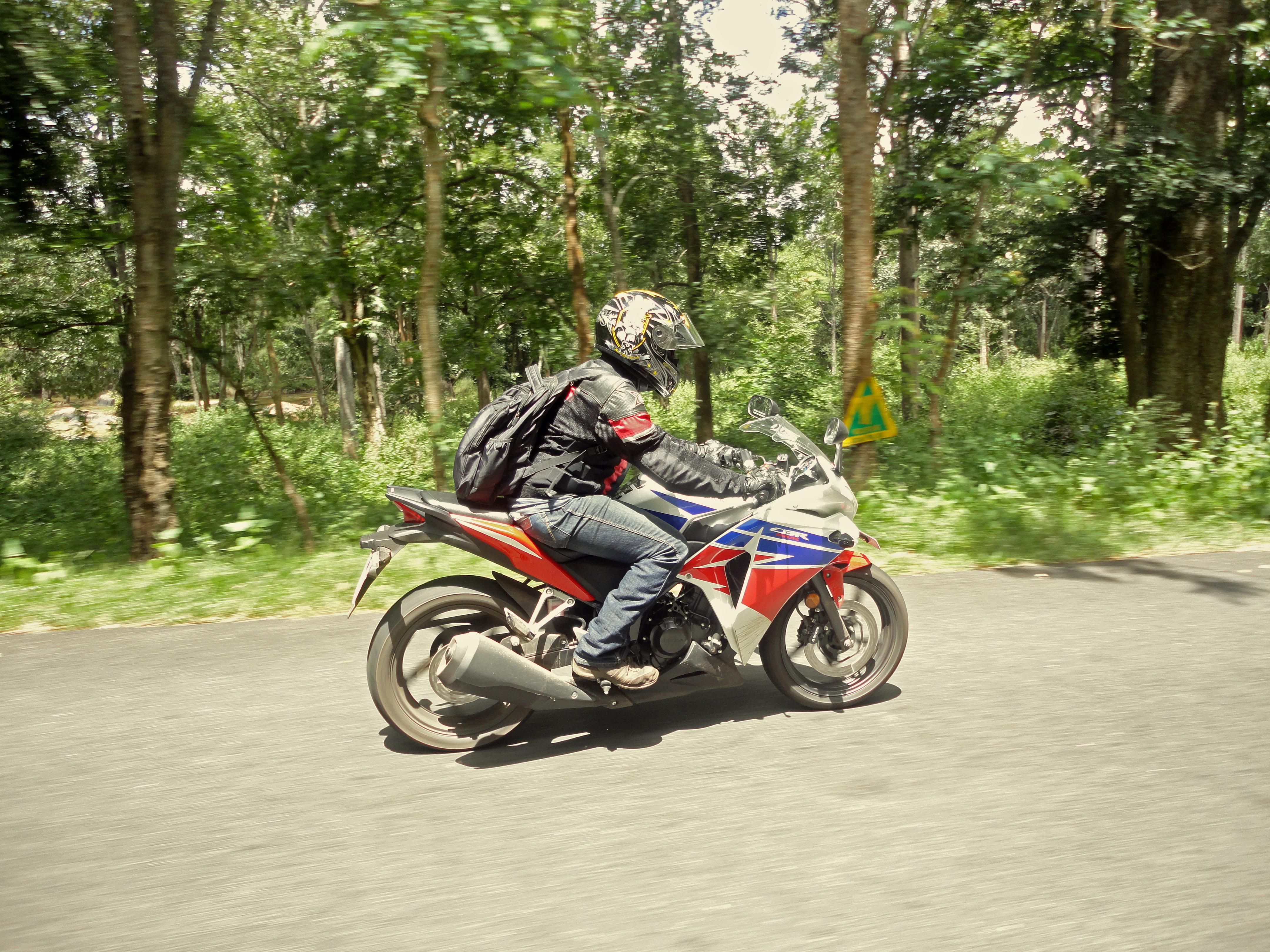 Honda Cbr250r 2013 9000kms Ownership Review Wheelsnshields Hand Guard New Cbr 250rr Dsc00239
